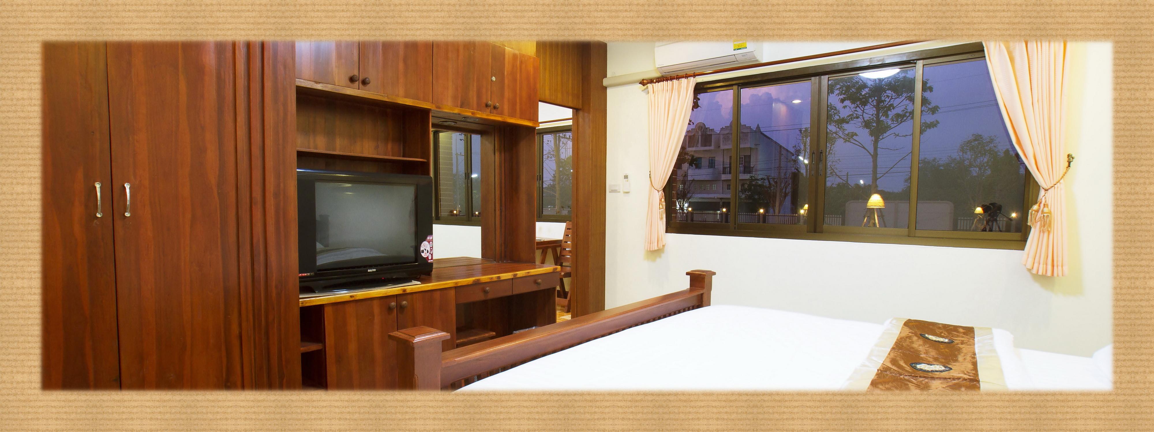 หลับสบายบนที่นอนคุณภาพสูง : โรงแรม ที่พัก สไตล์ รีสอร์ท ระดับคุณภาพ ใน โคราช ต.โคกกรวด อ.เมือง นครราชสีมา hotel in korat ในตัวเมือง : ร่มไม้ปลายตะวัน รีสอร์ท Rommaiplaitawan hotel & resort